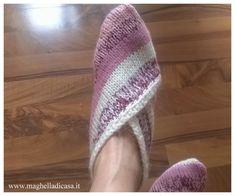 Calze in lana fai da te per principianti | Maghella di casa Winter Hats, Slippers, Knitting, Brown, Shoes, Crochet Ideas, Fashion, Costumes, Home