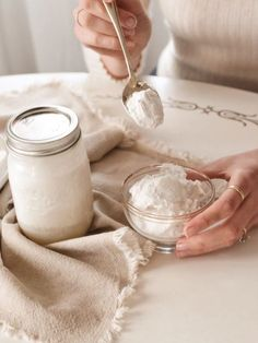 Coconut yogurt, DIY probiotic cocoyo recipe with benefits – Miss Foodie Problems Coconut yogurt, DIY probiotic cocoyo recipe with benefits Hello everyone, Today, we have shown Miss Foodie Problems My go-to probiotic coconut yogurt recipe — The True Spoon Keto Diet Drinks, Vegan Keto Diet, Keto Diet List, Starting Keto Diet, Paleo, Keto Cocktails, Keto Meal, Donut Party, Mini Donuts