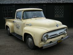 1956 Ford Step-side Pick-us Vintage Pickup Trucks, Old Ford Trucks, Lifted Chevy Trucks, Jeep Truck, New Trucks, Custom Trucks, Cool Trucks, Ford 56, 1954 Ford Truck