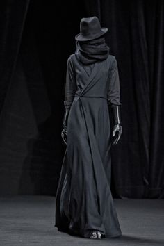 katisque:    AF VANDEVORST FW 2012    For the shy but stylish goth.