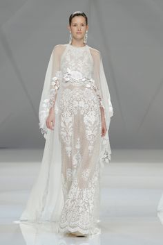 Wedding Dress Trends from Barcelona Bridal Fashion Week 2016 Naeem Khan Wedding Dresses, Naeem Khan Bridal, Wedding Dress Trends, Wedding Attire, Bridal Dresses, Wedding Gowns, Fashion Week 2016, Bridal Fashion Week, Party Fashion
