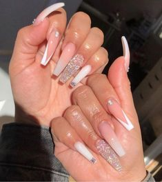 Bling Acrylic Nails, Acrylic Nails Coffin Short, Simple Acrylic Nails, Aycrlic Nails, Best Acrylic Nails, Swag Nails, White Coffin Nails, White Acrylic Nails With Glitter, Colored Acrylic Nails