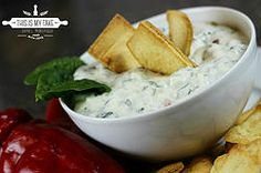 Spinach Kale Greek yogurt Dip #spinach #kale #greekyogurt #yogurt #healthy #fitness #snack #dip #foodblog #blogger #nomnomnom #nomnom #foodie #foodporn