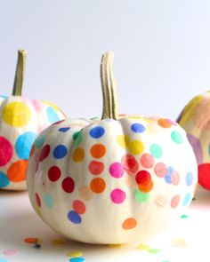 Confetti pumpkins are my new favorite pumpkins!!! What a great DIY from…