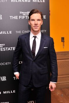 2013 10 11 - NYC - The Cinema Society's The Fifth Estate Screening by Stephen Lovekin (1995×3000)