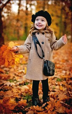Wondering what to wear this festive season? We have beautiful Thanksgiving outfits suggestions for you and your little ones! Kids Fashion Photography, Autumn Photography, Children Photography, Cute Kids, Cute Babies, Kind Photo, Outfits Niños, Fall Family Pictures, Quoi Porter