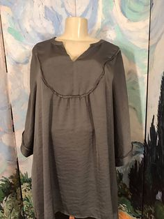 WOMAN WITHIN PLUS 3X GRAY TEXTURED SATIN V-NECK LINED BIB 3/4 SLEEVE TUNIC TOP #WomanWithin #Tunic #Casual
