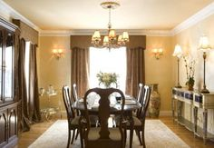 Dining - live the sideboard, lamps...