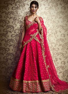 http://www.sareesaga.in/index.php?route=product/product&product_id=44002 Customer Support : +91-72850 38915, +91-7405449283