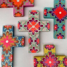 Hand Painted Crosses, Wooden Crosses, Crosses Decor, Wall Crosses, Small Canvas Paintings, Cross Paintings, Cross Wall Decor, Diy And Crafts, Arts And Crafts