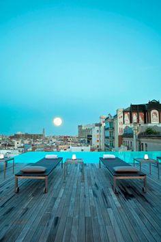 Sky Bar/ Gran Hotel Central -Barcelona.  Un ejemplo de aplicación para Novadeck.  www.novadeck.com.co