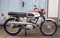 1968 Yamaha YAS1C, 125cc Scrambler - used to have one of these.  If I ever get the chance, I will own one again.