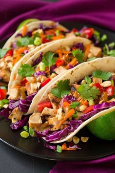 Get the recipe: Thai chicken tacos with peanut sauce - Cooking Classy Asian Recipes, Mexican Food Recipes, Dinner Recipes, Healthy Recipes, Healthy Breakfasts, Thai Recipes, Delicious Recipes, Healthy Snacks, Asian Foods