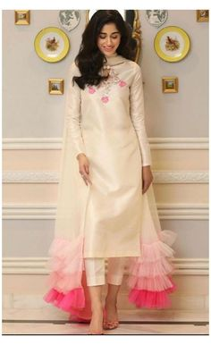 Party Wear Indian Dresses, Indian Fashion Dresses, Designer Party Wear Dresses, Pakistani Dresses Casual, Kurti Designs Party Wear, Dress Indian Style, Pakistani Bridal Dresses, Pakistani Dress Design, Indian Designer Outfits