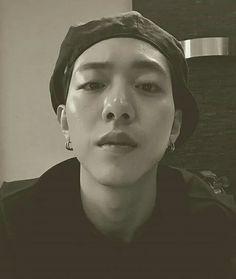 #LeeJungShin actualizo su cuenta de Instagram con esta linda foto 💜❣ (Junio/ 20/17) #CNBLUE