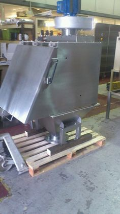 Stainless fabrication Stainless Steel Fabrication, Outdoor Decor, Home Decor, Decoration Home, Room Decor, Interior Design, Home Interiors, Interior Decorating