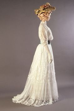 Dresses from the Very Late Victorian and start of the Edwardian era; Understanding the Fashion Trends – Part Four Lingerie dress of white embroidered net, English, ca. KSUM dress of white embroidered net, English, ca. Edwardian Clothing, Edwardian Dress, Historical Clothing, Edwardian Era, Vintage Clothing, 1900s Fashion, Edwardian Fashion, Vintage Fashion, Fashion Goth