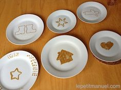 """Peinture sur porcelaine. Ou : Créer ses propres """"décors à manger""""."""