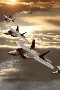 F-22 formation