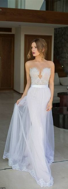 New Arrival Lace Wedding Dresses Floor Length Sweetheart Sleeveless Sheath Removeacle Tulle Lace White Bridal Gowns