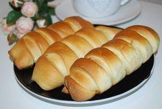 Pariziene cu mere Hot Dog Buns, Hot Dogs, Romanian Food, Bread, Bakeries, Breads