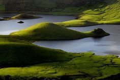 SIARAM :: Zonas Húmidas :: Caldeirão do Corvo, Corvo Island, Azores, Portugal  Travel to Azores Islands in Portugal to enjoy azores beautiful nature.  --  Have a look at http://www.travelerguides.net