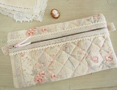 Love this shabby chic case