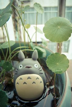 Totoro for a water garden out of Fimo! Must make a couple!!!