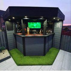 Outdoor Garden Bar, Bar Patio, Garden Bar Shed, Outdoor Tiki Bar, Backyard Bar, Backyard Patio Designs, Outdoor Bars, Glasgow, Pool Bar