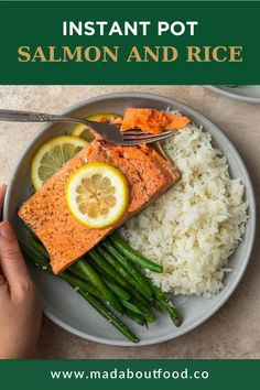 Raise your hand if you love saving all the time you can in the kitchen. Me too! And that's why I created this Instant Pot Salmon and Rice recipe to make a lemon pepper salmon en papillote and steam rice at the same time! I was testing this lemon pepper salmon recipe and realized that I could use my Instant Pot to make a full salmon and rice meal at once; put the rice and water in the bottom of the instant pot and then put the salmon and veggies en papillote on top. Healthy Salmon Recipes, Vegetarian Recipes, Lemon Pepper Salmon, Whole 30 Lunch, Salmon And Rice, Healthy Weeknight Dinners, Cooking Salmon, Lunch Ideas, Whole30