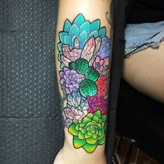 What does succulent tattoo mean? We have succulent tattoo ideas, designs, symbolism and we explain the meaning behind the tattoo. Foot Tattoos, Flower Tattoos, Arm Tattoo, Body Art Tattoos, Sleeve Tattoos, Tattoo Art, Bird Tattoos, Feather Tattoos, Succulent Tattoo