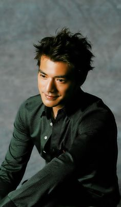 Takeshi Kaneshiro green shirt