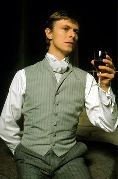 1979 - David Bowie as John Merrick in The Elephant Man on Broadway 70s. David Bowie, The Elephant Man Play, John Merrick, Theatre, The Ghost Inside, Moonage Daydream, The Thin White Duke, Major Tom, Theater