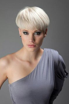 Short and Straight Hairstyles | http://www.short-haircut.com/short-and-straight-hairstyles.html