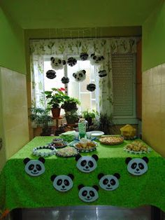 First Birthday Parties, First Birthdays, Panda Party, Kids Rugs, Animals, Towel, Cakes, First Year, Theme Parties