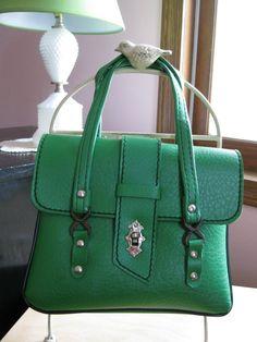 Love vintage purses!
