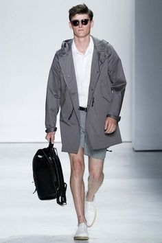 See the complete Todd Snyder Spring 2016 Menswear collection.