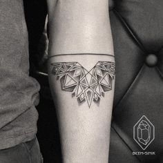 Geometric tatto linework dotwork
