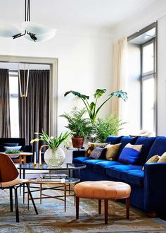 Living Room: Terrific Blue Couch Living Room Ideas Design Home Pictures Of from Lovely Blue Couch Living Room Ideas Blue Couch Living Room, New Living Room, Home Living, Living Room Modern, Living Room Interior, Living Room Designs, Living Spaces, Blue Couches, Dark Blue Couch