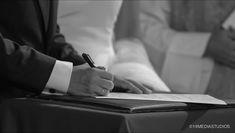 Firma de matrimonio y de testigos #testigos #ceremonia #fotografia #boda #bodaromantica