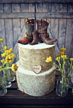 weddingstuffyouwant.unlimitedproductsolutions.com Westernfamilycustomweddingcake by MorganTheCreator on Etsy, $46.00