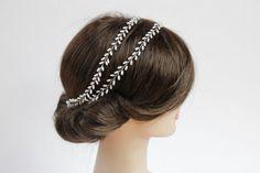 Ręcznie wyplatana opaska do włosów, inspirowana motywami roślinnymi.  Dostępna w sklepie online Madame Allure :) http://madameallure.pl/products/5007-lubna-opaska--wianuszek-#12