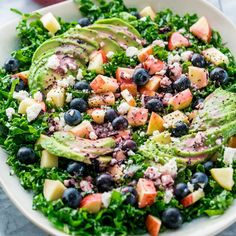 This Kale Salad with Blueberry Vinaigrette is fresh and delicious, loaded with good for you ingredients like kale, blueberries and apples then drizzled with a yummy blueberry vinaigrette! Blueberry Kale Salad, Side Salad Recipes, Raw Food Recipes, Healthy Recipes, Salad Bar, Soup And Salad, How To Eat Paleo, Healthy Eating, Salads