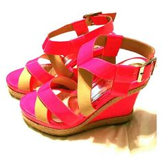 Neon pink & tan wedges Beautiful, cute & flirty  Worn only ONCE GREAT CONDITION Punta pie Shoes