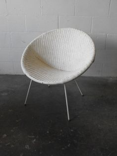 Retro Hoop Chair