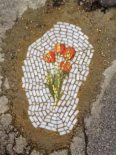 Pothole Installations - Jim Bachor - Instalações tapam buracos de ruas com mosaicos