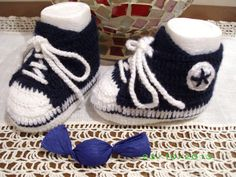 scarpine tennis baby in lana blu all'uncinetto euro 18.00