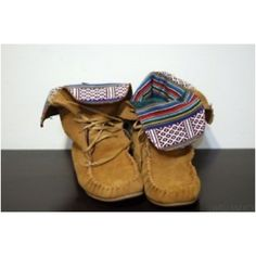 Fold over Moccasin shoes with lining.
