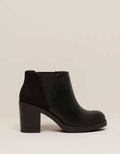 Pull&Bear - woman - women's footwear - elasticated ankle boots with heels - black - 11095111-V2016