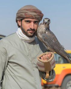Crown Prince of Dubai 👑❤🇦🇪 Dubai, Arab Men Fashion, Kate Middleton Wedding Dress, Handsome Arab Men, Prince Crown, Muslim Men, Photography Poses For Men, Handsome Prince, My Prince Charming